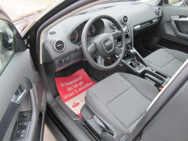 Audi A3 1,6 Sportback Attraction